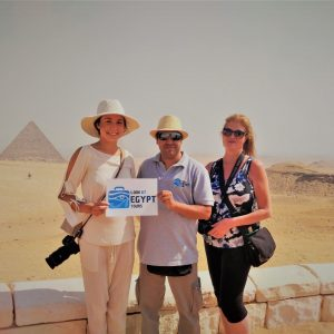 Full Day Pyramids of Giza & Sphinx & The Egyptian Museum, Essential Egypt Tour -Cairo & The Nile