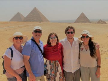 Full Day Pyramids of Giza & Sphinx & The Egyptian Museum, Cairo City Break- Discover Cairo