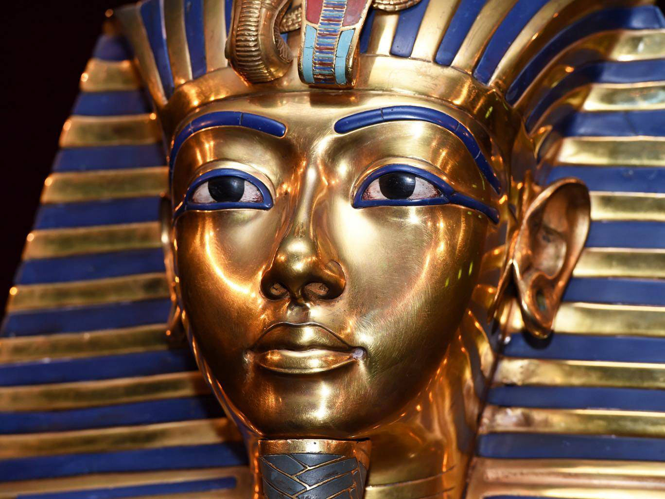 King Tut Mask Egypt , Tailor-made Holidays to Egypt