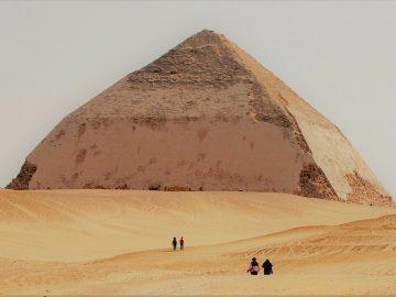 Giza Pyramids, Sakkara, Memphis & Dahshur Full Day Tour