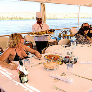 Dahabiya Nile Cruise – Authentic Sailing Experience