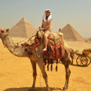 girls travel to egypt
